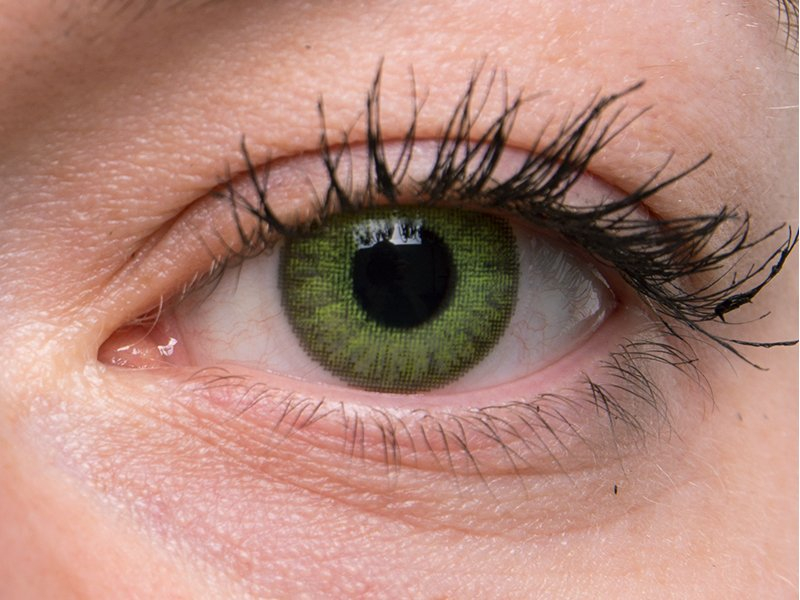 """""""Fresh Green"""" bei einer grauen Augenfarbe"""