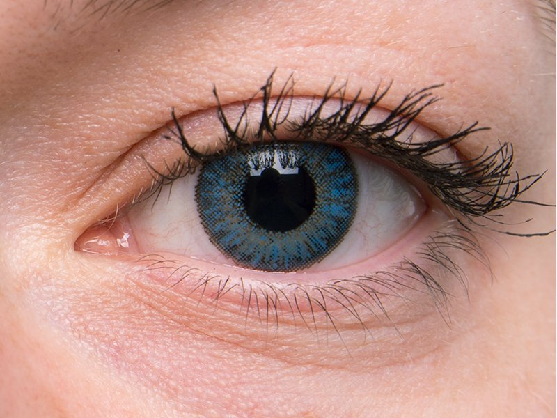 """""""Sapphire Blue"""" bei einer grauen Augenfarbe"""